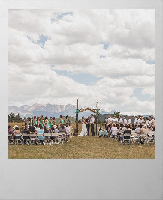 Full Woodland Park wedding under Pikes Peak
